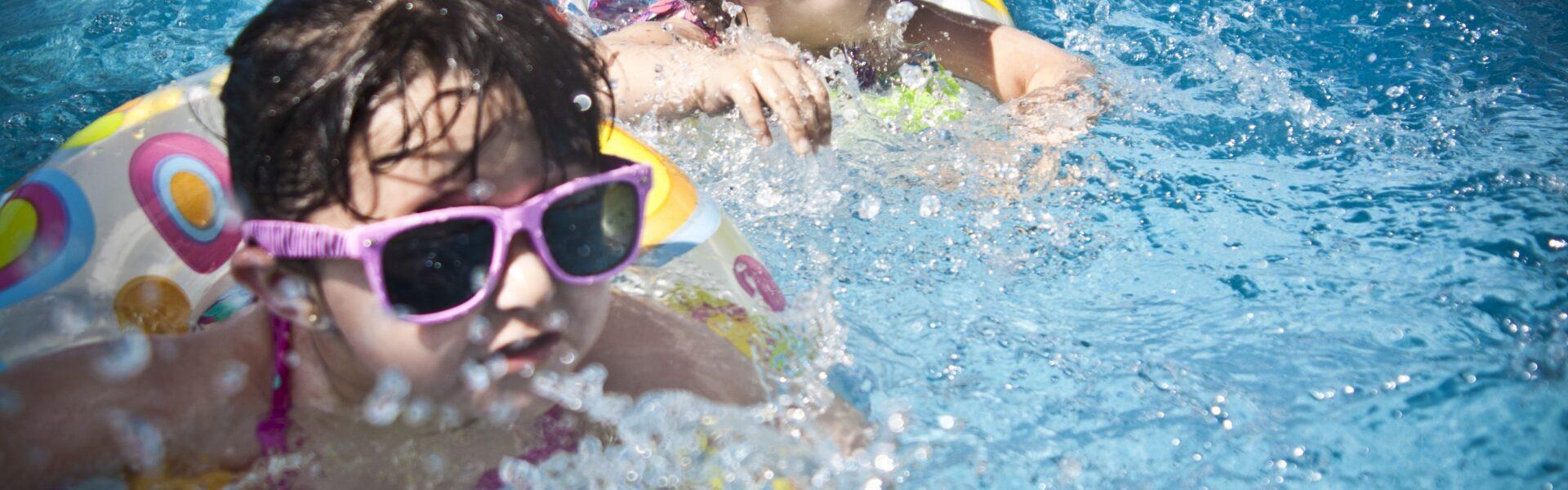 girls, swimming, splashing